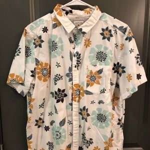 Printed Quiksilver short sleeve button down